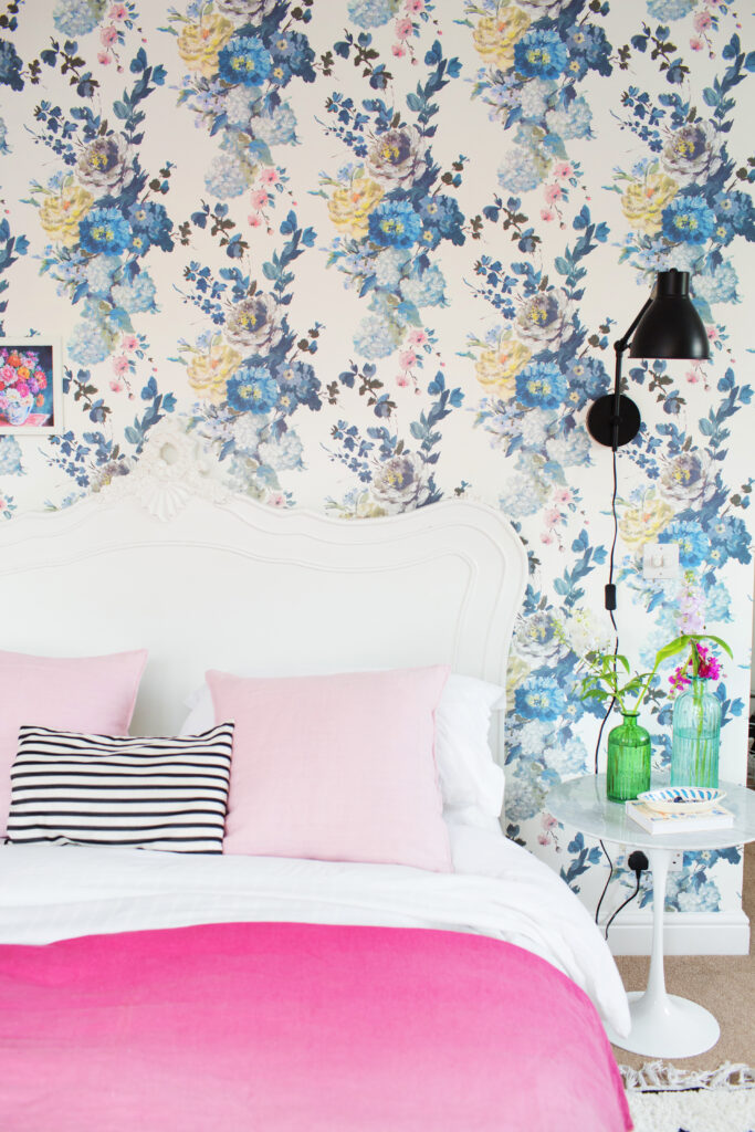 floral relaxing wallpaper for bedroom